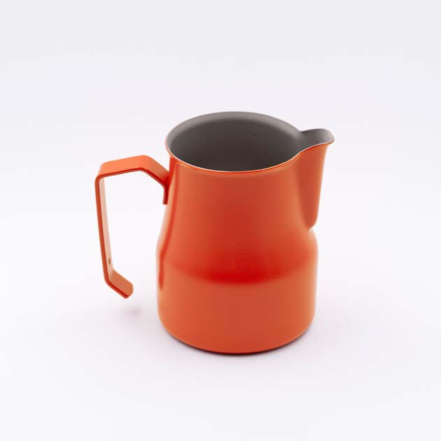 Jarra leche latte art para baristas naranja motta for Jarra leche